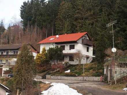 Mehrfamilienhaus in stiller Lage direkt am Wald