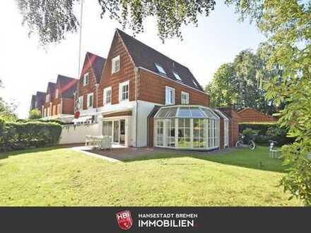 Reserviert / Oberneuland / Beeindruckende Doppelhaushälfte mit hohem Wohnkomfort und schönem Garten