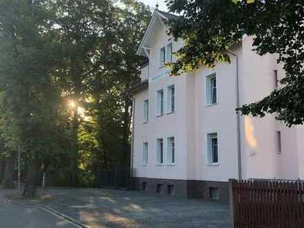 !! großzügige Wohnung in herrschaftlicher Villa!!!