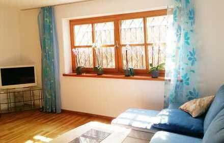 vollmöblierte Souterrain-Wohnung mit Tageslicht am Forstenrieder Park