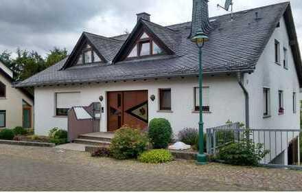 Zwei-Familien-Haus in Klingelbach, Rhein-Lahn-Kreis zu verkaufen