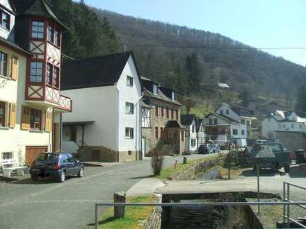 *IDYLLE PUR* Geräumiges 1-2 Familienhaus im malerischen Lützbachtal
