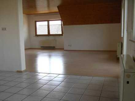 71120 Grafenau, attraktive 5 Zimmer-Maisonette DG-Wohnung mit vielen Möglichkeiten zu vermieten