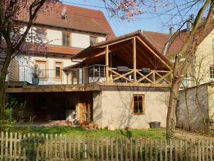 *RESERVIERT *Nachmieter gesucht: Schönes, geräumiges Sandsteinhaus (DHH) zum Wohlfühlen im Grünen