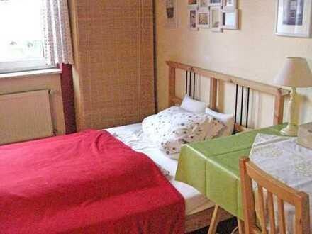 Schönes Zimmer im Martinsviertel für Kurzaufenthalt (Urlaub, Tagung, Praktikum) short stay (2 days t