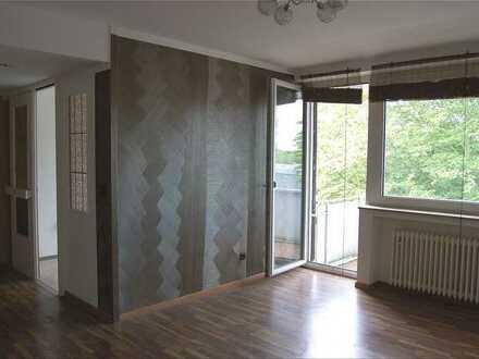Gut geschnittene, solide 2 Zi. KDB Wohnung mit Balkon im 2.OG in Bochum-Langendreer