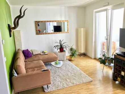 von Privat: Neuwertige 3-Zimmer-Wohnung mit Balkon und EBK in Obergiesing, München