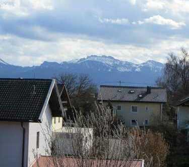 """"""" Erstbezug in Rimsting ! Sonnige 4 Zimmer, 2 Bäder, 4 Balkone ! Ruhige Waldrandlage !"""""""