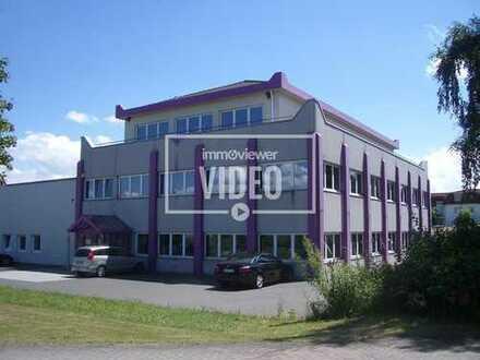 Bürogebäude mit Lagerhalle - Erstbezug nach Totalsanierung