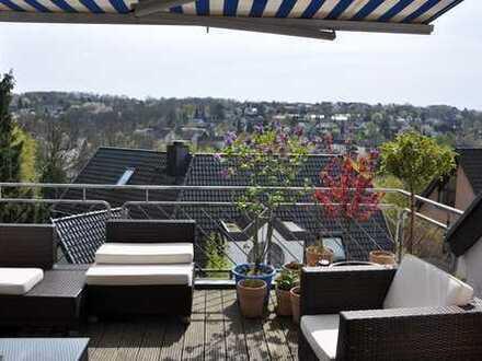 Glück kann man mieten: Bildschönes Penthouse – Traumlage in Essen Werden.