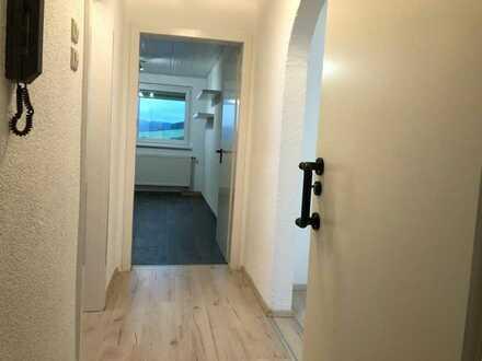 Gepflegte 2-Zimmer-DG-Wohnung mit EBK in Westhausen / Reichenbach