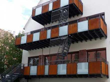 SOFORT freie 3 Zimmer 111 qm luxuriöse Citywohnung mit wettergeschützten BALKON im Terrassenformat