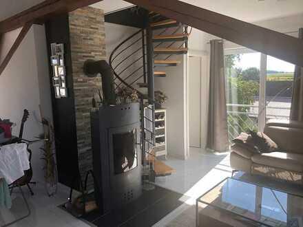 Moderne Wohnung mit garantiertem Wohlfühlfaktor! EKB und 2 Stellplätze inkl.! Gehobene Ausstattung!