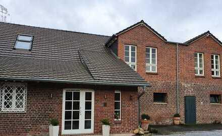 Exklusive Maisonette Wohnung mit großzügiger Dachterrasse und Einbauküche
