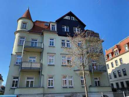 * schön geschnittene u. moderne 3-Zi.-Whg. mit großem Balkon und Gartennutzung *