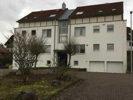 Schöne 2 Zimmer Wohnung im Erdgeschoss mit Terrasse