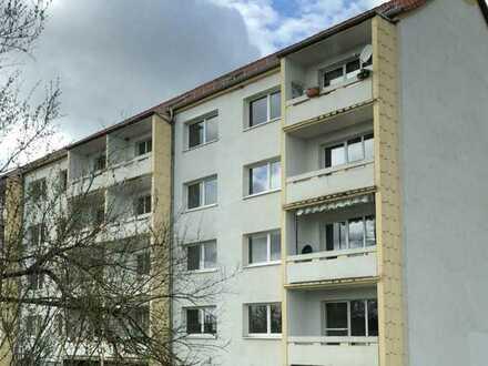 +++Attraktive, neu hergerichtete 2 Zimmer-DG-Wohnung - ruhig gelegen bei Gera +++