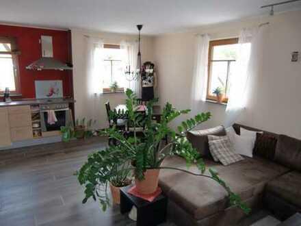 Schöne, neuwertige 2,5-Zimmer-Wohnung zur Miete in Engelsbrand, provisionsfrei.