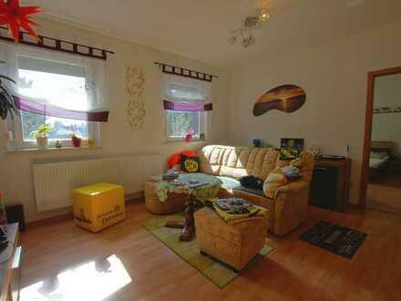 Ruhig und zentral gelegene, helle 3-Zimmer-Hochparterre-Wohnung