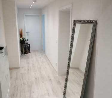 Hochwertig, vollständig renovierte 4-Zimmer-Wohnung mit 2 Balkonen und Einbauküche in Blaichach