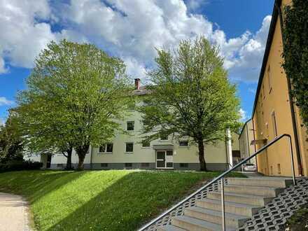 WILLKOMMEN IN IHREM NEUEN ZU HAUSE in Sulzbach-Rosenberg! Geräumige 2-Zimmer Wohnung zu vermieten