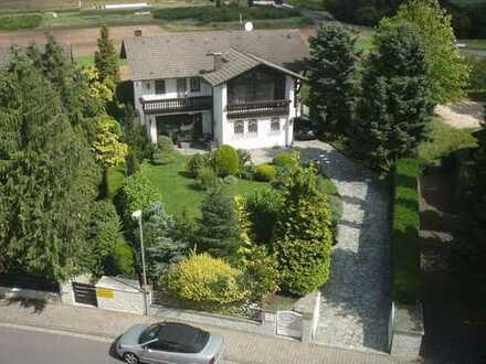 Repräsentative Landhausvilla in Top Lage für gehobene Ansprüche