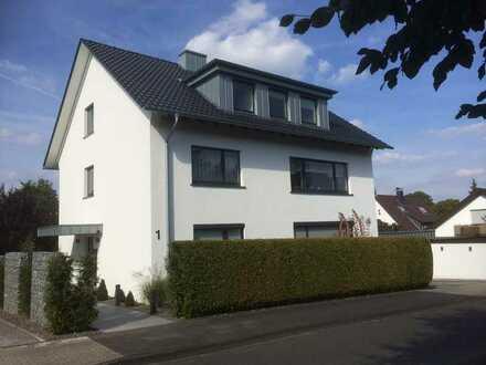 Top-Lage, Hagen-Emst , In der Senke 1 , DG , 3,5 Zimmer , 82 qm .