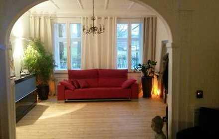 Für Liebhaber, 212 qm Wohnung mit Garten in einer Fabrikantenvilla