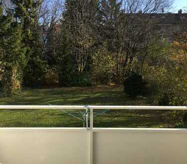 Freshly renovated, new kitchen and furniture, huge balcony AND close to the Ubahn!