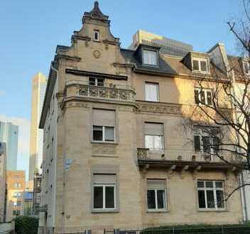 Erstbezug nach Sanierung mit Balkon: stilvolle 3-Zimmer-Dachgeschosswohnung in Frankfurt
