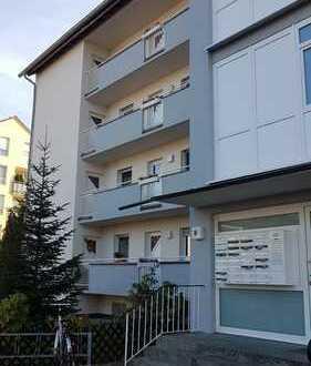 Attraktive 2-Zimmer-Wohnung mit Balkon, EBK und Garage in Feucht