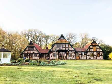 Romantische Fachwerk-Villa – mit viel Platz für Mensch, Tier und Beruf