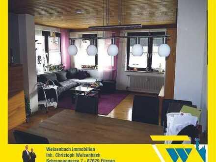 Sehr gepflegte und zentral gelegene 3-Zimmer-Wohnung mit schönem Bergblick