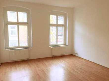 Gepflegte 2,5 Raum-Wohnung mit zwei Balkonen im Zentrum/Bahnhofsnähe