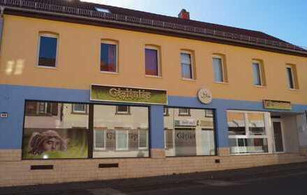 Wohn & Geschäftshaus & Halle & Scheune