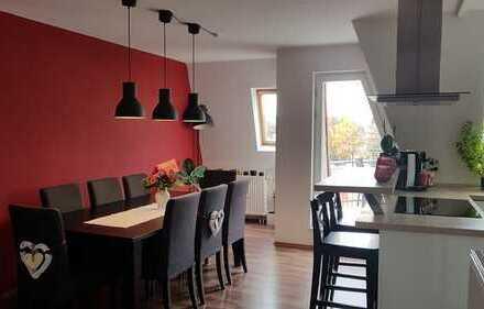 Gepflegte, großzügige Maisonette-Wohnung in zentraler Lage