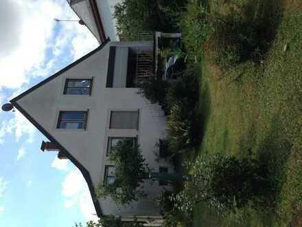 Schönes Haus mit sieben Zimmern in Trier-Saarburg (Kreis), Hermeskeil
