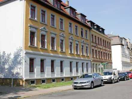 ** Helle und geräumige Zwei-Raum-Wohnung in Böhlitz-Ehrenberg **
