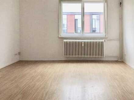 Helle, gut geschnittene, 2-Zimmer-Wohnung mit Balkon in zentraler Lage mit Aufzug 5.OG