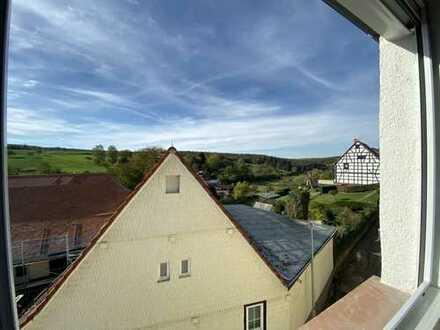 4 Zimmer Feldrand Wohnung 116qm, 2 Etagen, 2 Bäder, Stellplatz in Lützelbach