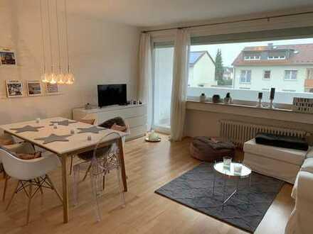 Moderne 3 Zimmer Wohnung komplett eingerichtet mit Schwimmbad im Haus