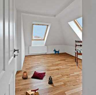 Zauberhafte Dachgeschosswohnung mit Loggia