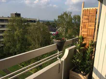 Schöne 2,5 große Wohnung in Mülheim Broich 5 OG mit Aufzug KDB inklusive Tiefgarage!!