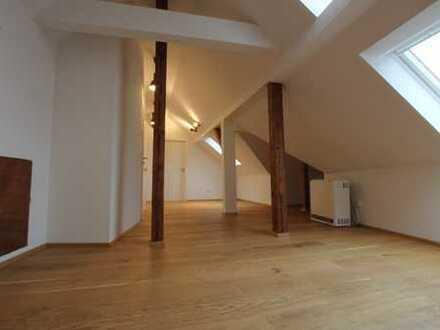 Besondere Apartmentwohnung über den Dächern von Stgt.-Degerloch