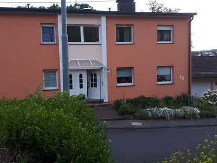Günstige, gepflegte 4-Zimmer-Wohnung in Niederelbert