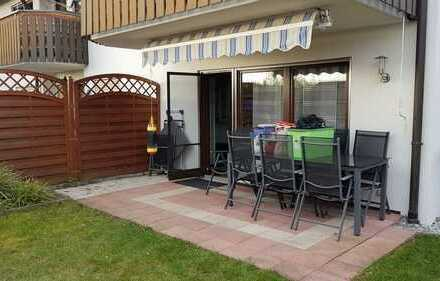 Schicke, idyllisch gelegene 3 1/2 Zimmerwohnung mit Balkon, Garage und Stellplatz in herrlicher Lage