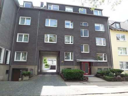 Sehr schön aufgeteilte helle DG Wohnung, 3,5 Räume