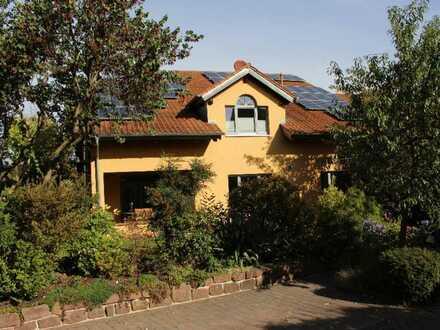 Schönes, geräumiges Haus mit sechs Zimmern in Weingarten (Pfalz)