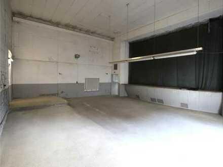 Zentrale Lagerfläche mit kleinem Büro