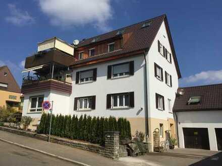 ATTRAKTIVE 4,5 Zi.-DACHGESCHOSSWOHNUNG mit ca 120 m² in REMSECK-ALDINGEN